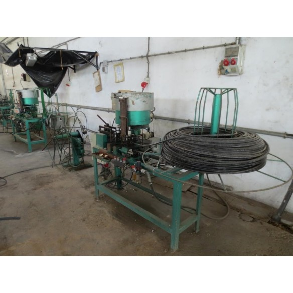 Machine to drill pipes